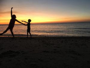 sunset, mum and son, travel, Philippines